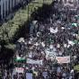 مشاركون في مسيرة الجزائر