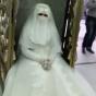 إدارة الأبواب تتعامل مع عروس بزيها الكامل حاولت الدخول إلى الحرم المكي