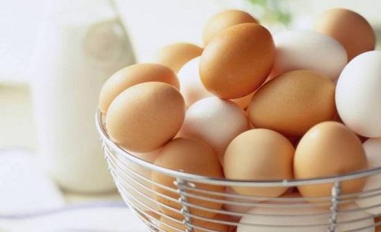 كم بيضة يجب أن تأكل في اليوم؟