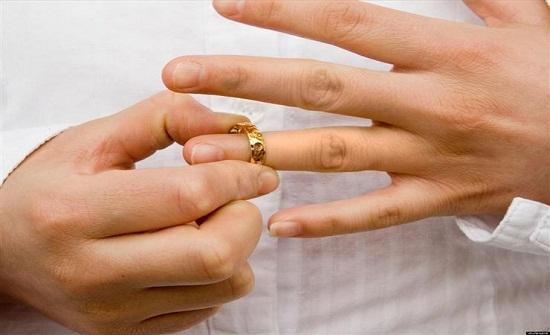 مدرس يطلب الطلاق من زوجته بسبب وجبة