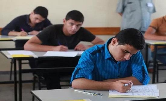"""الرزاز يشيد بجهود الأسرة التربوية والمؤسسات الوطنية خلال شتوية """"التوجيهي"""""""