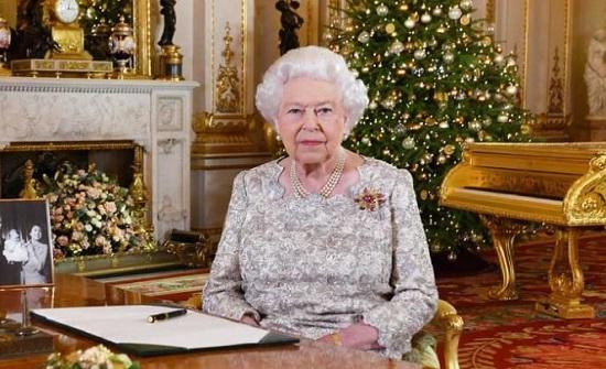 الملكة إليزابيث تحتفل بعيدها.. كم أصبح عمرها؟!