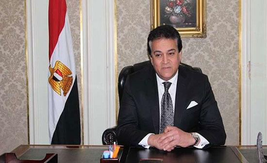 مصر.. وزارة التعليم العالي تكشف حقيقة منع اختلاط الذكور والإناث في الجامعات