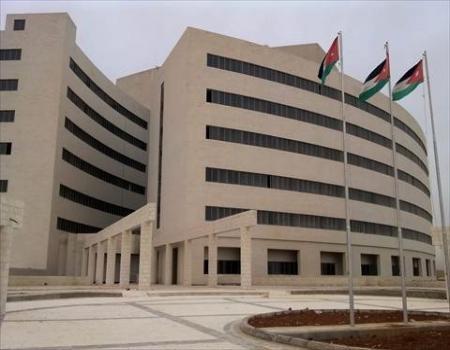 وزير الصحة: مستشفى الزرقاء تعامل مع مصابي حادث شويعر