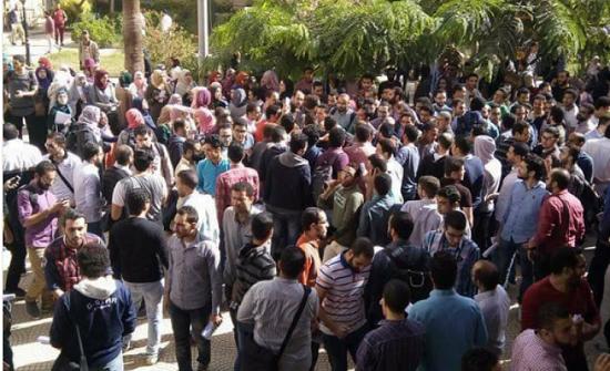 1200 طالب طبّ بالسنة السادسة في جامعة مصرية يحصلون على صفر!