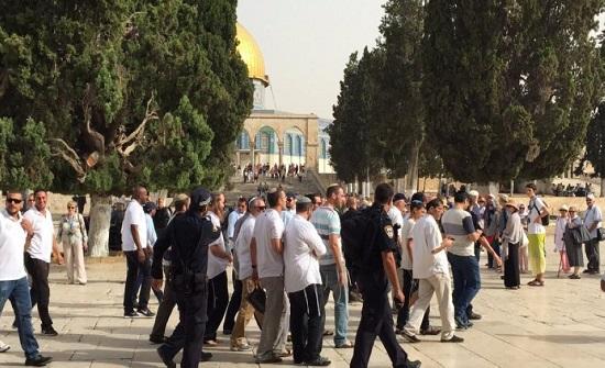 55 مستوطنا يقتحمون الاقصى بحراسة شرطة الاحتلال