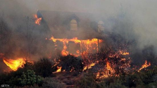 """ارتفاع عدد قتلى حرائق كاليفورنيا.. والوضع """"سيستمر بالتفاقم"""""""