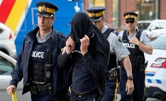الشرطة الإيطالية تلقي القبض على 31 شخصاً تربطهم صلة بالمافيا