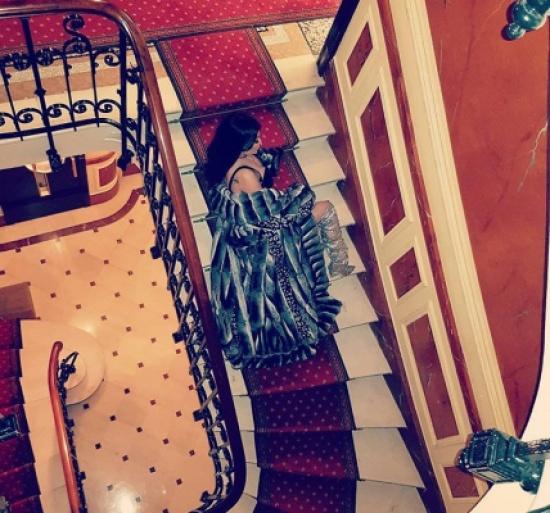 """هيفاء وهبي بإطلالة مثيرة على الدرج """" صور"""""""