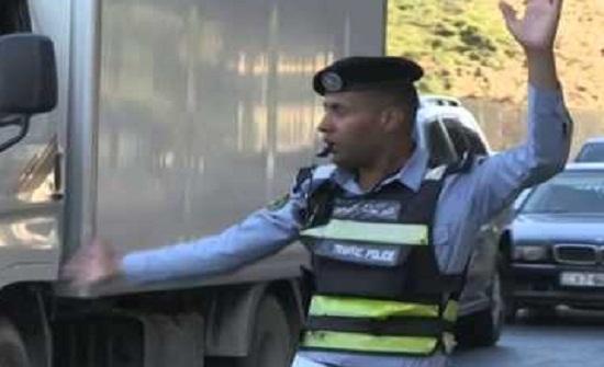 عمان : ضبط باص يقل 50 راكبا حمولته 22 راكبا