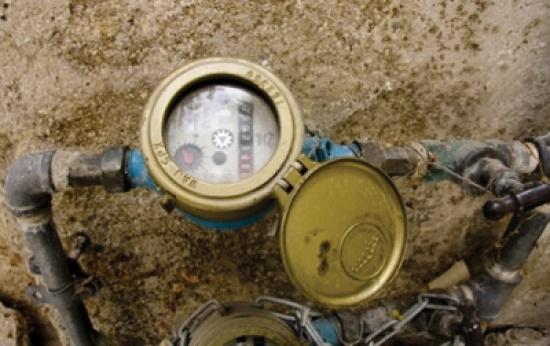 استبدال 6 آلاف عداد مياه معطل في البادية الشمالية الشرقية