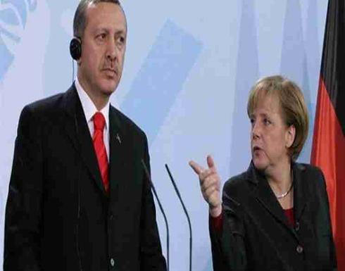 ميركل تهدد بشكل غير مباشر بفرض حظر سفر على الساسة الأتراك