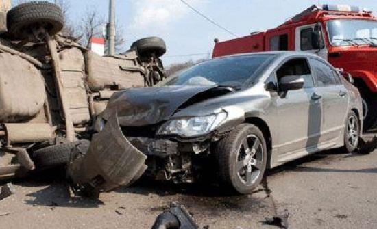 5 إصابات بحادث تصادم في مجمع اربد الشمالي