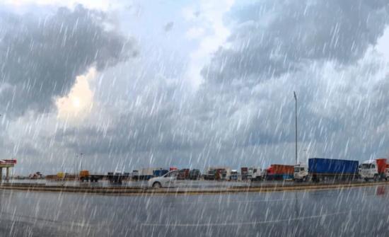 انخفاض على درجات الحرارة وامطار غزيرة