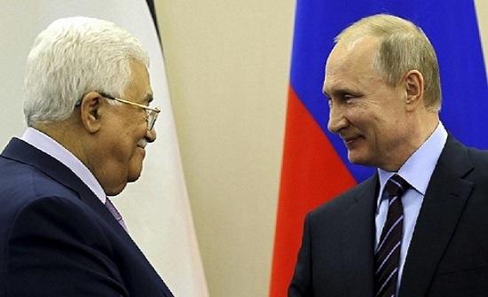 """عباس يشكر بوتين على موقفه الرافض لـ""""صفقة القرن"""""""