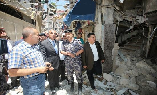 أمين عمان يتفقد موقع حادث مطعم وسط البلد