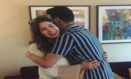 بالفيديو : نانسي عجرم لمعجب حضن اه بوسه لأ