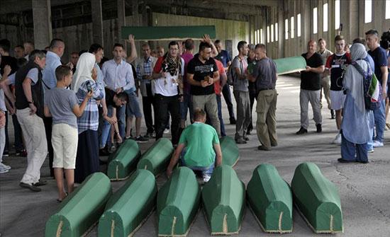 """مقبرة """"بوتوتشاري"""" تستقبل رفاة 33 من ضحايا مذبحة سربرنيتسا"""