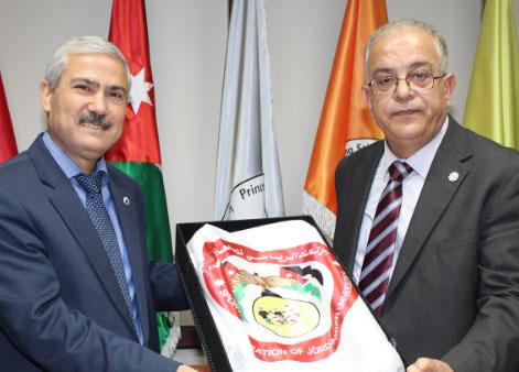 الزيتونة تتسلم راية الاتحاد الرياضي للجامعات الاردنية