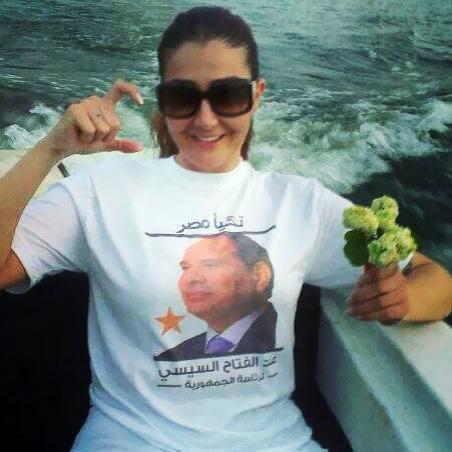 """غادة عبد الرازق تنشر وصورة السيسي وتعلق: """"مش محتاجين اي حد تاني يترشح""""!"""