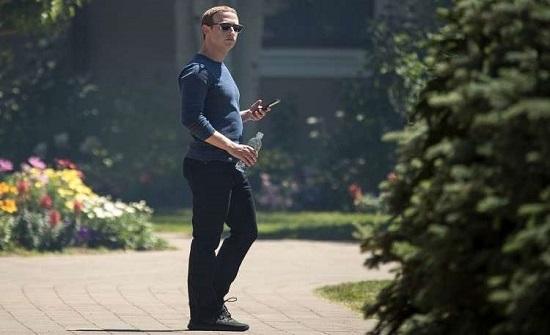 """""""فيسبوك"""" تنفق 22.6 مليون دولار سنويا لحماية زوكربيرغ"""