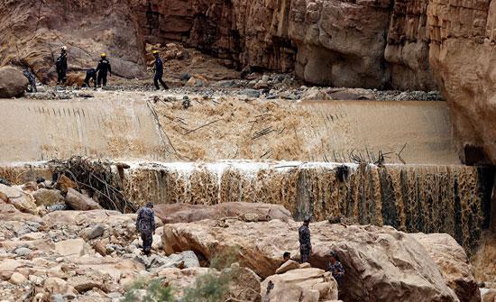 """""""التحقيق النيابية """" المواطنين ما زالوا يزورون مكان حادث البحر الميت"""