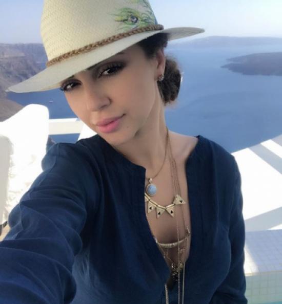 """شاهد.. """"شورت"""" ميريام فارس المثير يشعل مواقع التواصل الاجتماعي"""