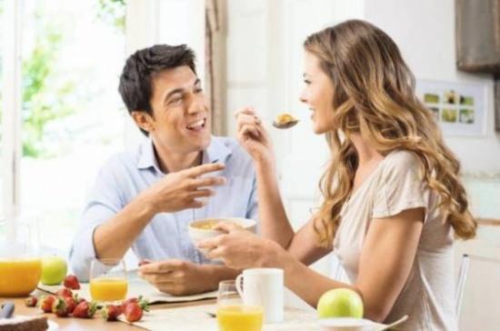 إليكم حقيقة الأطعمة الـمقوية للرغبة الجنسية؟!
