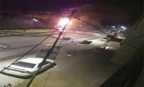 بالصور :شغب وحرق منزل قاتل شاب في ظهر السرو بجرش