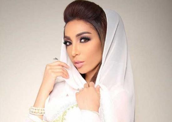 حلا الترك أصبح لها أخت غير شقيقة.. صور استقبال ملكي لمولودة دنيا بطمة الأولى
