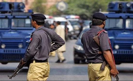 اربعة قتلى في اشتباكات بين الشرطة الباكستانية وإرهابيين