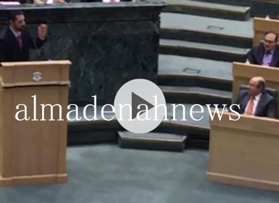 شاهدوا بالفيديو ماذا قال محمد القضاة لهاني الملقي تحت القبة