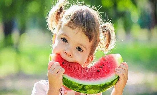 أطعمة لطفلك تحارب حرارة الصيف.. ما هي؟