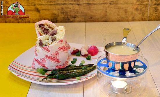 """بالصور : آخر صيحات الطبق الوطني الأردني .. """" المنسفيتو """""""