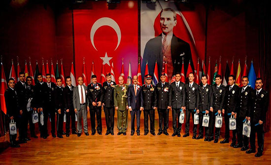 السفير الاردني بتركيا يشارك بحفل تخريج أكاديمية الشرطة التركية