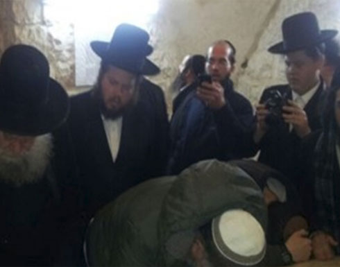 """مئات المستوطنين يقتحمون """"قبر يوسف"""" في نابلس"""