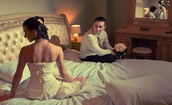 في بلد عربية : بعد شهر من الزواج.. عريس ينشر صور زوجته على المواقع الرذيلة