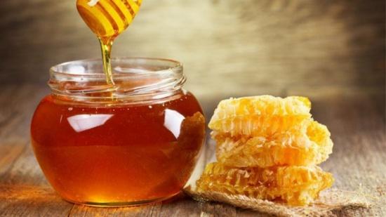 7 فوائد مذهلة لملعقة واحدة من العسل