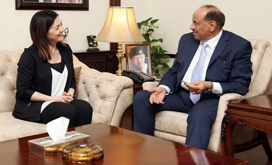 """وزير الداخلية يبحث مع ممثلة """" اليونيسف"""" في الأردن التعاون الثنائي"""