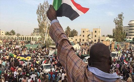 """السودان.. المعارضة تتهم """"العسكري"""" بالحيلولة دون تسليم السلطة"""