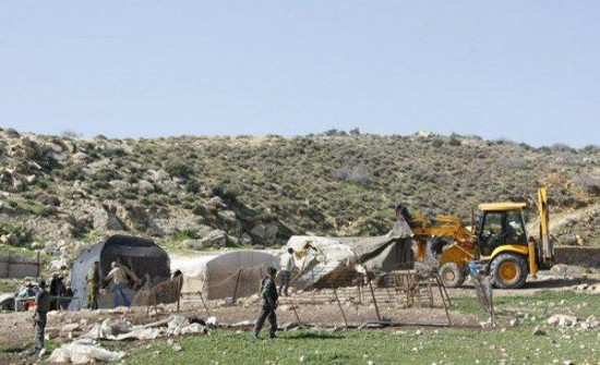 الاحتلال الاسرائيلي يهدم خياما في الأغوار الشمالية