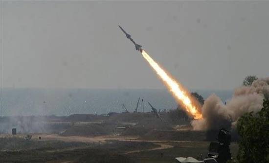 صاروخ يصيب معسكراً تركياً قرب الحدود السورية ومقتل 2 وإصابة 12