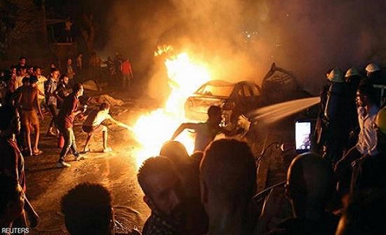 بالفيديو : مقتل 19 شخصا بانفجار نجم عن تصادم 4 سيارات في القاهرة