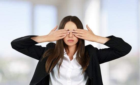 عينيك مرآة لصحتك.. 8 أمراض تكشفها عيناك