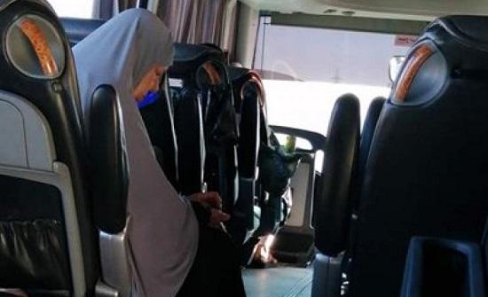 بالصور : تعطل حافلة حجاج في الحسا