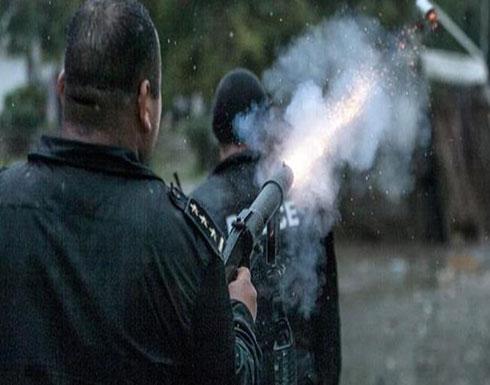 الشرطة التونسية تطلق قنابل الغاز لتفريق محتجين بالعاصمة