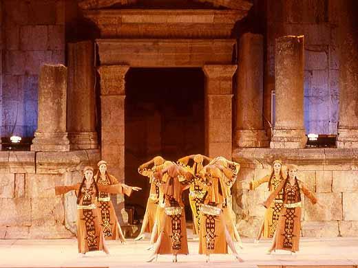 المهرجانات الاردنية فضاءات مشرعة على الابداع الانساني