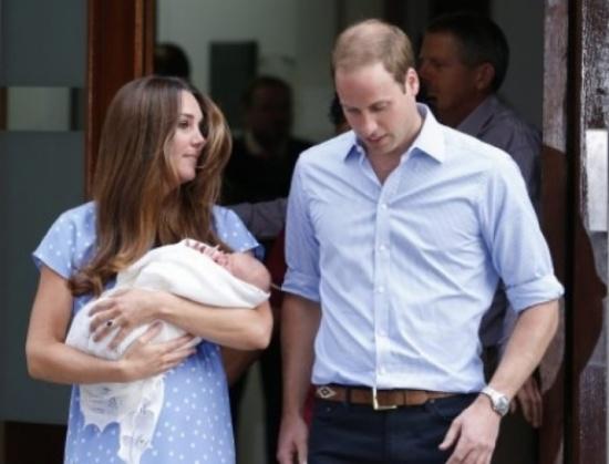 هذا هو الطفل الملكي البريطاني ( صور )