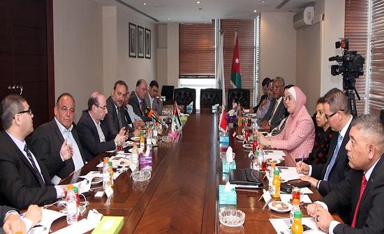 بحث تطوير التعاون الاقتصادي بين الاردن والمغرب