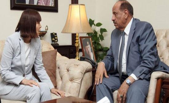 وزير الداخلية يلتقي القائم باعمال السفارة الامريكية في عمان